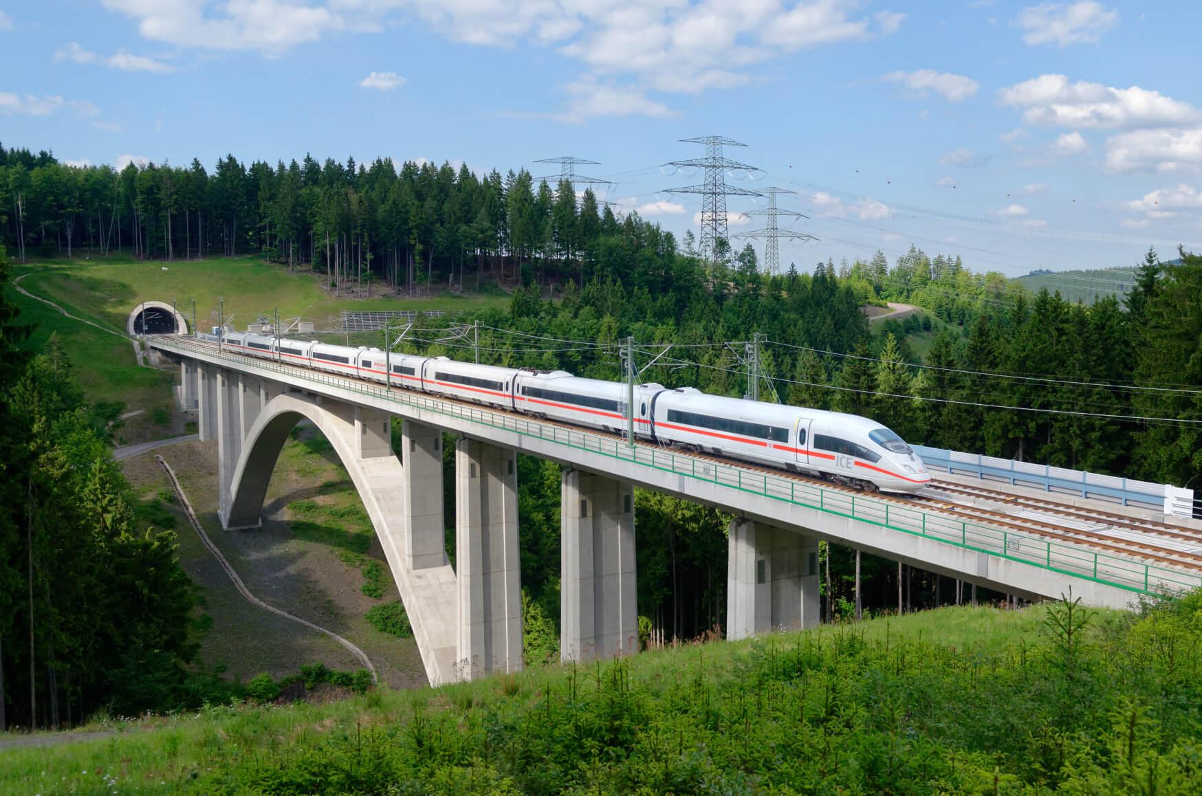 ICE Intercity Express Fernstrecke